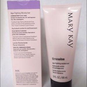 Mary Kay TimeWise Moisturizer-combo/oily skin